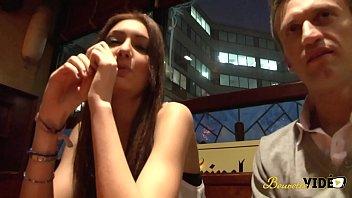 Evy, A 18 Ans, Elle A Des Envies De Sodomie