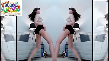 Incredible Asian Twerking
