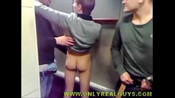 Str8 guy bare assed at a trough urinal with his buds...