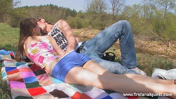 Firstanalquest.com - GIRL WHO LOVES ANAL GETS FUCKED HARD ON AN OUTDOOR DATE