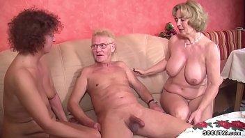 Granny Porn - Opa nudelt die Oma durch