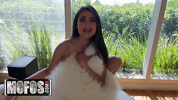 Pervs on Patrol - (Chad White, Eliza Ibarra) - Perv On The Guest - MOFOS