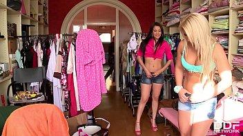 Teens Lana &amp_ Samia Duarte Share Big Double Dong And Photographer'_s Dick