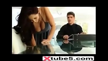 hot mom seducing his son friend visit -xtube5.com
