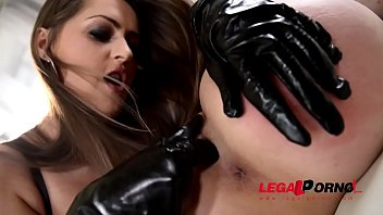 Domina Kendra Star penetrates Chessie Kay with giant strap-on in threesome GP600 Thumb