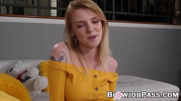Teenie Nora Ivy covered with massive facial after BJ