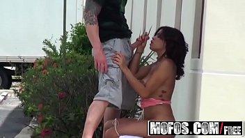 Exhibitionist teen (Savana Ginger) gets filmed fucking outside - Mofos
