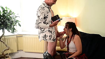 Stepdad Catches Schoolgirl Caught Sexting EyeCandyOfficialLimited Queen Mona & Candy Man Old & Young