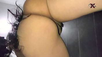 I FUCKED MY COUSIN'S ASS IN THE BATHROOM... I AM SURPRISING MY COUSIN IN THE BATHROOM AND I CAN'T WAIT I FUCK HER RICH ASS ... creampie big ass