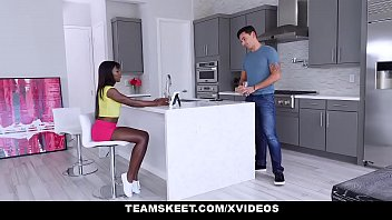 Shaved pies Teenpies - tight ebony teen pussy gets creampied