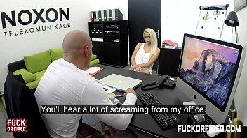 Wannabe secretary fucks to get hired