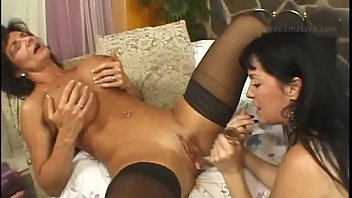 Deauxma Make Me Squirt