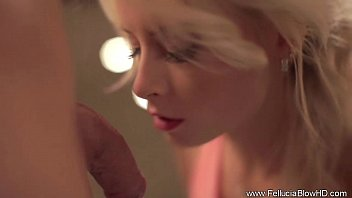 Seductive Blowjob Blonde MILF