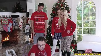 Riley Mae spread her pussy for step bro