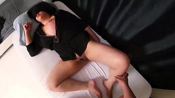 My stepdaughter wakes up to receive a creampie from daddy's dick.