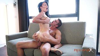 Milf brunette with big tits - Mademoiselle Justine