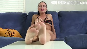 Heart beat fetish I want to explore your foot fetish with you