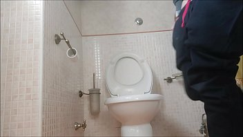 7106 the heavy quarantine in a small house: I spend the days on the toilet preview