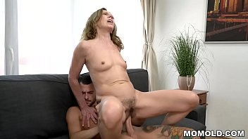 Old Cougar Viol Wants a young dick badly
