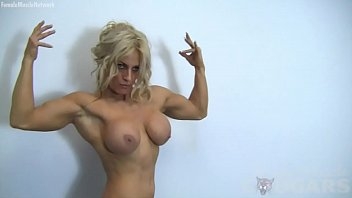 Sexy Blonde Muscle Cougar with Big Tits Works Out