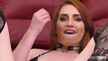 Streaming Video Fiery Redhead Teen Masturbates With Toys Before Riding Sybian in Live Show - XLXX.video
