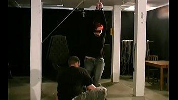 Фото когда мужик лижет женщине грудь