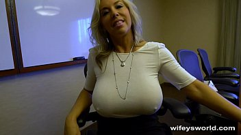 Streaming Video Wifey Caught In The Act - Swallows Cum - XLXX.video