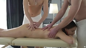 Double vagina fuck - Double penetrated by horny masseurs