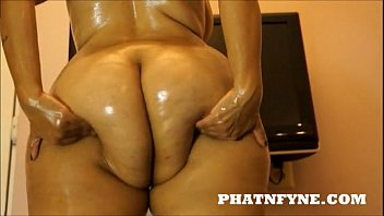 PHATNFYNE.COM KITTY LOV