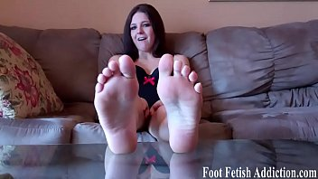 My sexy size 5 feet deserved to be pampered