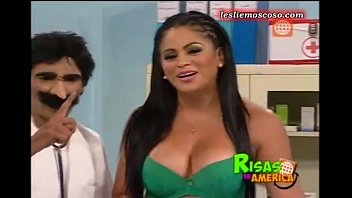 Leslie Moscoso sexi culo peruana