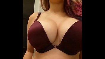 Garotas com mamas lindas. Brasileiras procuram sexo