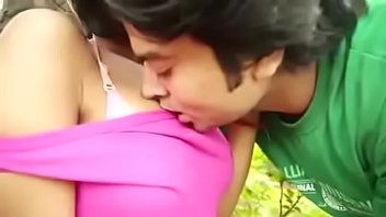 COLLEGE GIRL HOT KISSING IN PARK original