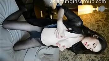 Hot chinese girl masturbates and squirts - asiacamgirlsgroup.com