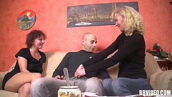 Mature german women fuck in threesome 8 min
