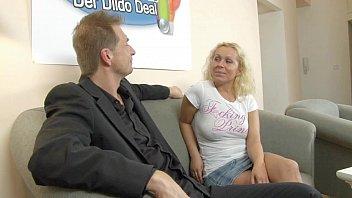 Autsch!! Der Dildo Deal mit Curly Vorschaubild