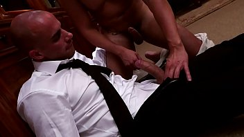 Menatplay gay clips Security lockdown. enzo rimenez gets fucked by his security diego summers