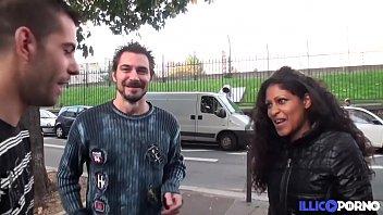Kali danseuse reunionnaise fait un gangbang pour son mari [Full Video]