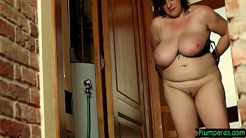 Chubby mature queening younger guy