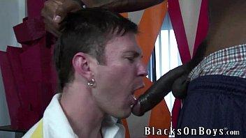 Hung white gay porn Luke cross makes quick cash by fucking a black guy