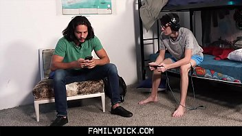 FamilyDick - Muscle bear daddy barebacks boys during sleepover