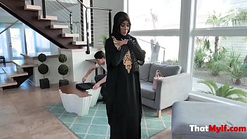 Cock Milf In Hijab Fucks Repairman- Kylie Kingston