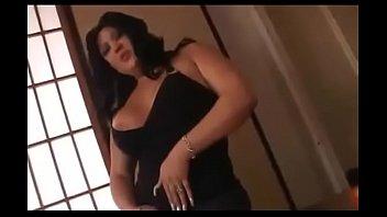 Brunette Chubby Big Tit on CAM - LIVE NOW // webcamhooker.us