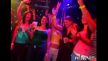 Drunk lesbian sex videos - Tons of ladies are engulfing jocks