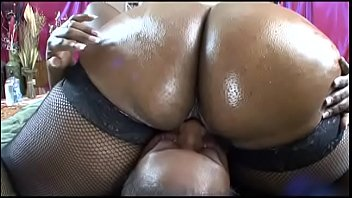 Oiled up big booty ebonies have sensual fuck in bed