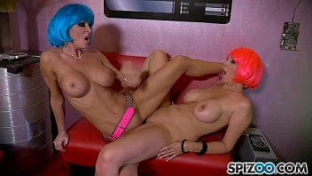 Jessica Jaymes XXX - Julia Ann And Jessica Jaymes this lesbian duo going