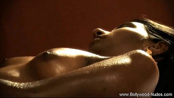 Artistic erotic - Bronze indian milf goddess