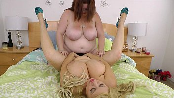 Lesbos fucking fausets - Busty bbws fuck each other with strap on