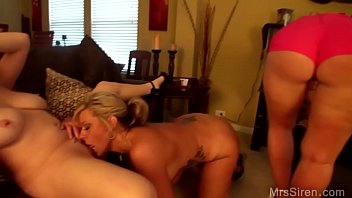 Milf plays Milfs play with toys