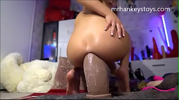 Huge Insertion on a Young girl *** watch me live On girls4cock.com
